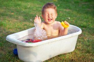 Bathing baby water game