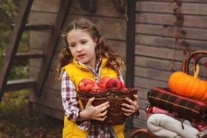 fall activities for kids apple picking